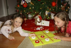 DIY Christmas Tic-Tac-Toe