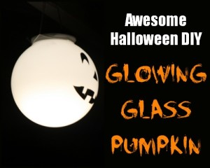 Halloween Porch Decor DIY Glowing Pumpkins #LowesCreator