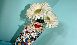 Upcycled Jar-to-Flower-Vase