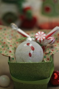 "DIY Ornament: ""Frosted"" Candy Cane Thumbprint Keepsake"