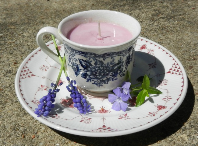 Light scent teacup candles