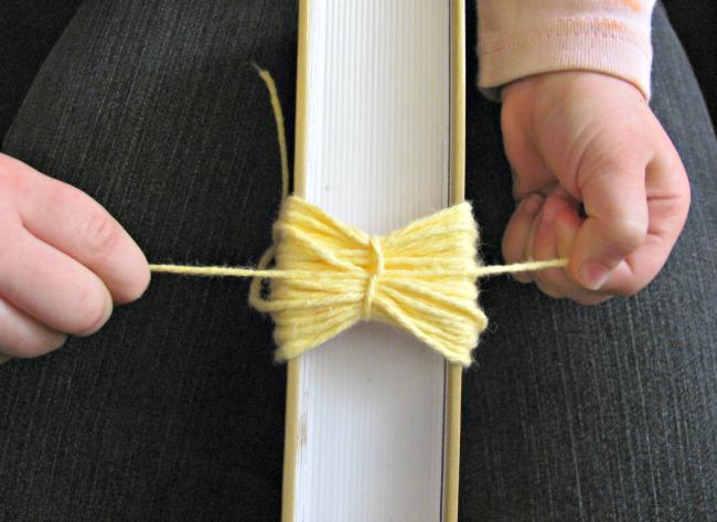 Tie the yarn