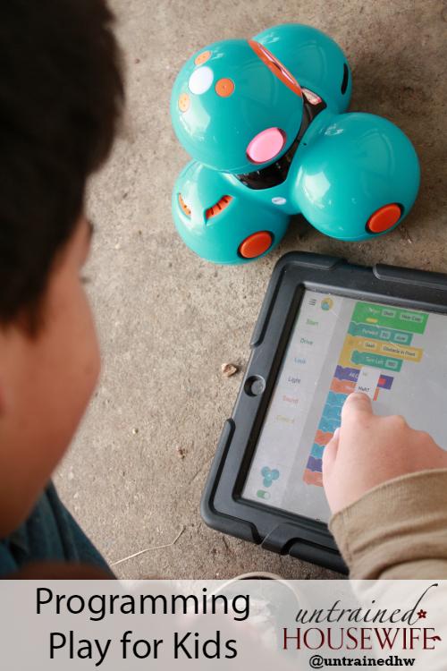 Programming play for kids with Wonder Workshop's Dash robot